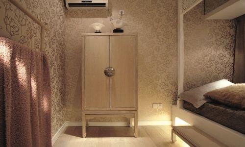 新古典风格卧室衣柜设计