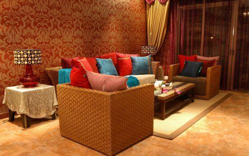 东南亚风格客厅壁纸装饰效果图