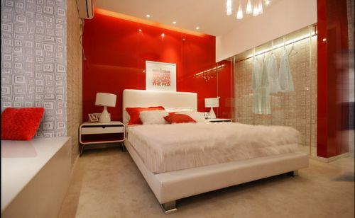 红色简约卧室衣柜装修效果图