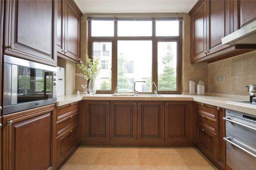 咖啡色的厨房水槽装修