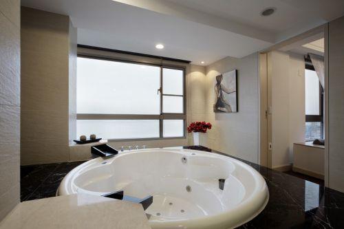 欧式风格浴室冲浪浴缸设计