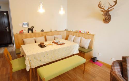 田园风格餐厅卡座沙发设计