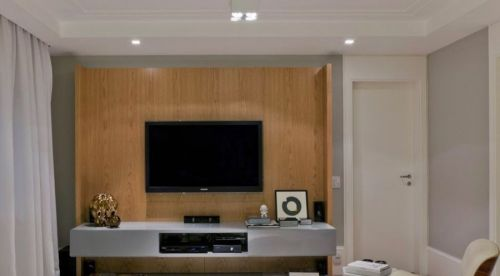 简约一居室客厅实木电视背景墙效果图