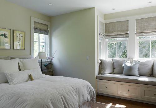 欧式小卧室飘窗装修效果图