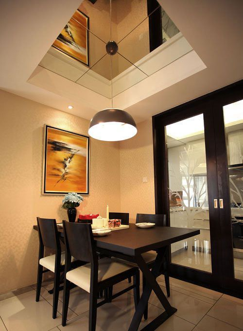 美式风格餐厅木吊顶效果图