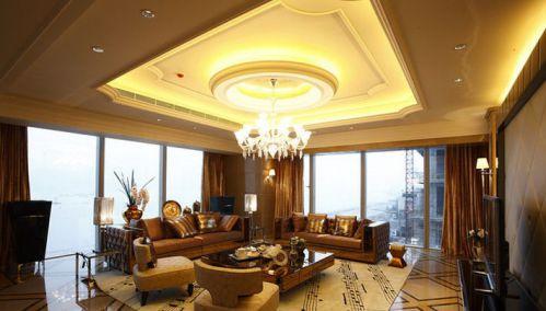 最新欧式客厅高档装修客厅吊顶图片
