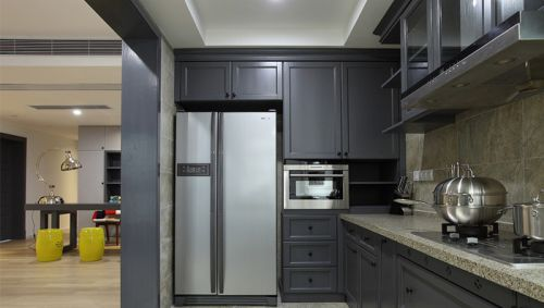 现代厨房实木橱柜效果图欣赏