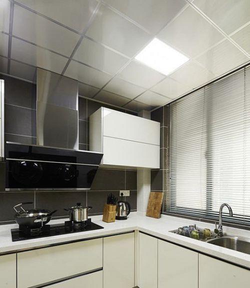 现代简约风格厨房集成吊顶装修效果图