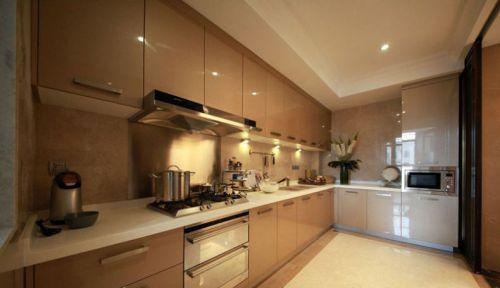 暖色调厨房整体烤漆橱柜效果图