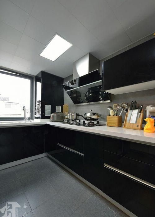 现代简约黑色厨房橱柜图片