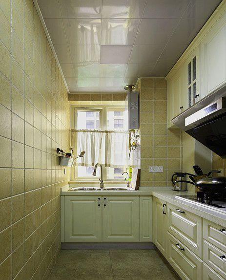 美式风格小厨房集成吊顶设计