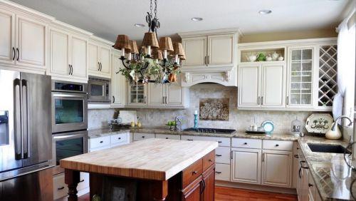2015美式开放式厨房吊顶装修效果图欣赏