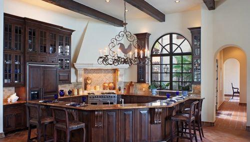 三室两厅美式风格厨房吊顶装修效果图