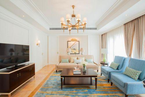 白色古典简欧风格客厅吊顶效果图