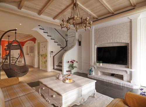 经典美式风格米色客厅背景墙装潢