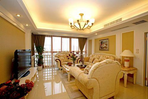 美式黄色客厅背景墙装饰图