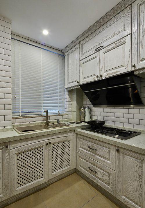 白色新古典风格厨房橱柜效果图设计