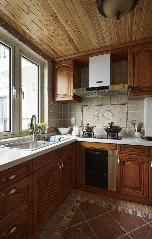 美式风格黄色温馨厨房橱柜设计图