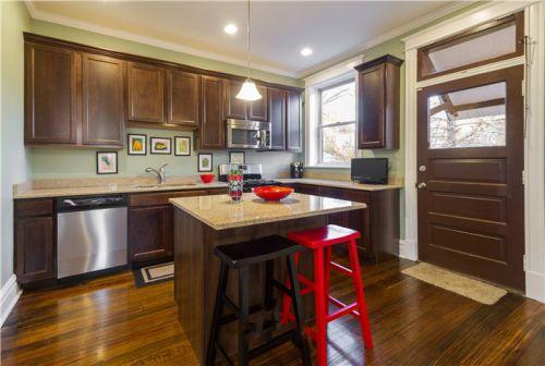 美式风格质感褐色厨房橱柜装潢赏析