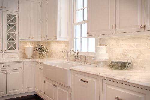 美式乡村风格纯白淡雅厨房橱柜装饰设计图片