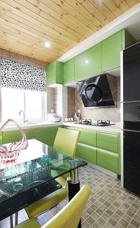 撞色现代厨房设计图片