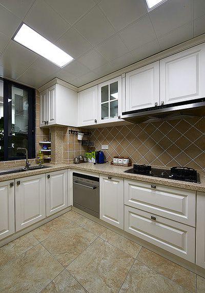 雅致时尚简欧风格厨房橱柜设计赏析