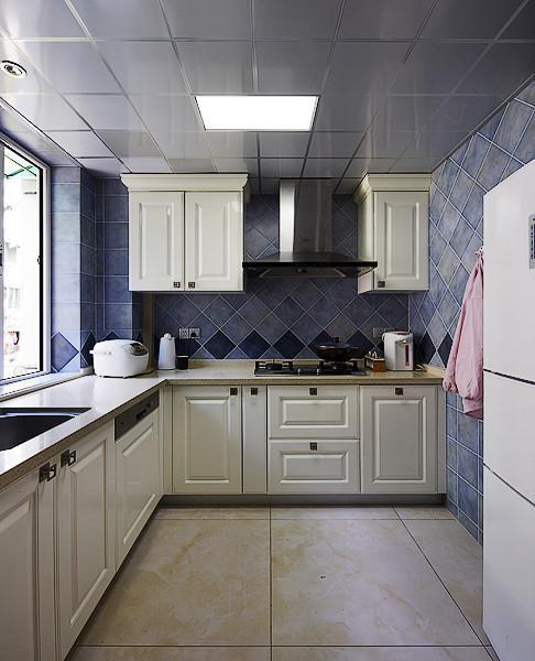 蓝色清新简欧风厨房橱柜效果图欣赏