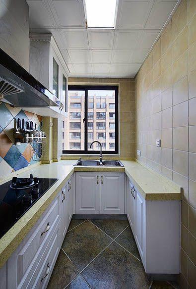 自然淡雅简欧风格厨房橱柜设计案例