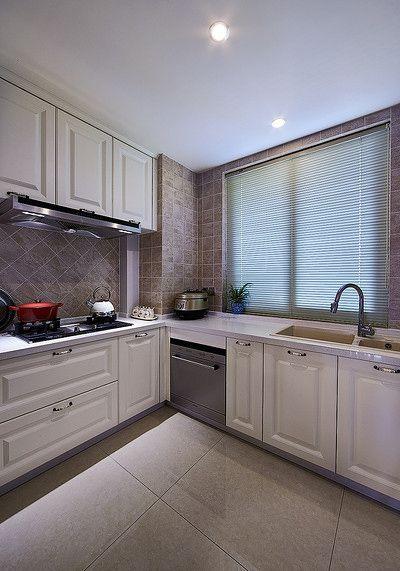 简欧风格素雅米色厨房橱柜装潢设计
