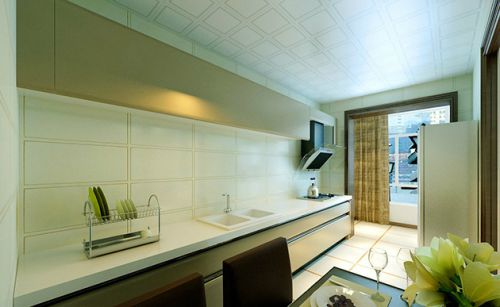 白色简欧厨房橱柜图片