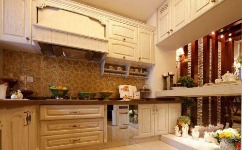 白色浪漫简欧风格厨房橱柜装饰设计