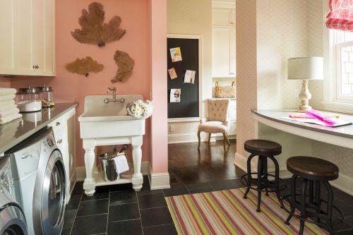 欧式可爱粉色风格阳台装修图片