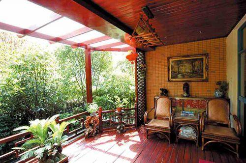东南亚浓郁色彩休闲阳台装修案例
