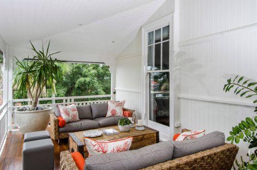 白色东南亚风格阳台装饰案例