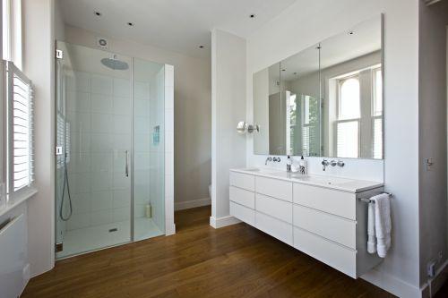 简约风格纯粹白色卫生间装修图片