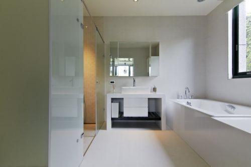 极致简约雅致风格白色卫生间装修设计