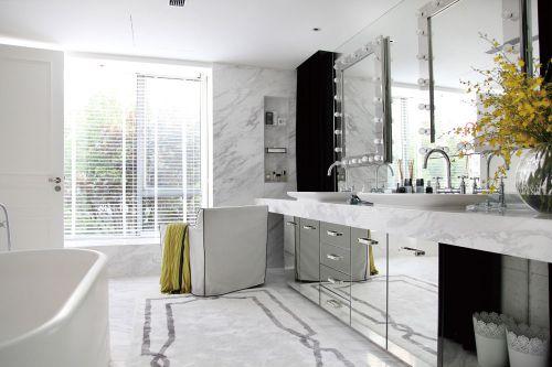素雅清新白色现代卫生间装饰案例