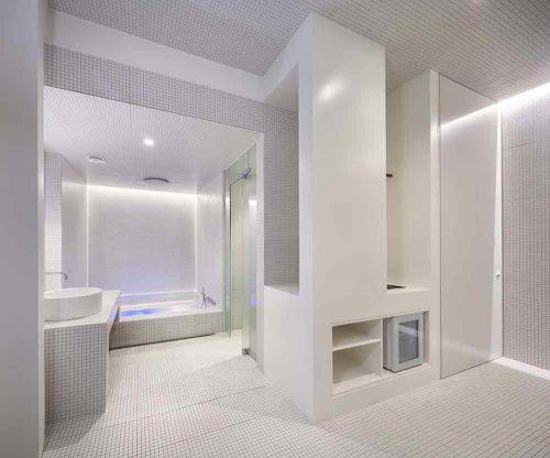 简约纯白卫生间整体设计效果图