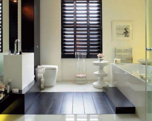 白色雅致简约风卫生间设计图片