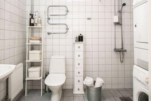 简约现代卫生间装修图