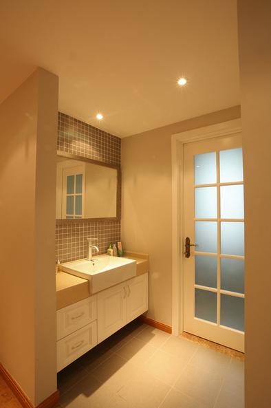 简约风格温馨米色卫生间装修设计