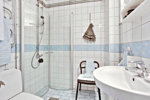 白色清新简约风格卫生间装潢案例