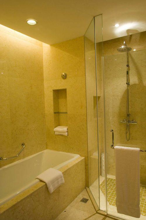 现代简洁卫生间设计