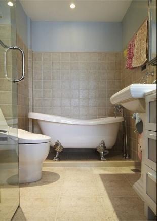 现代白色卫生间设计