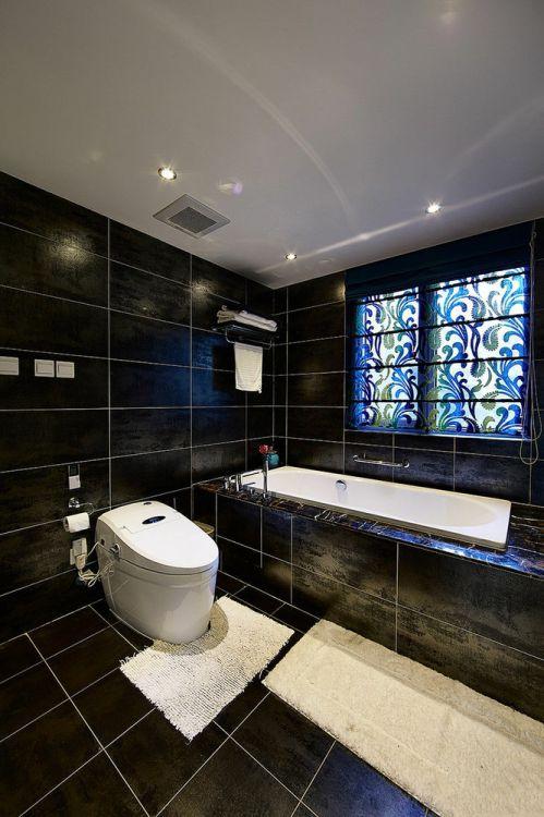 现代风格个性黑色卫生间装修设计