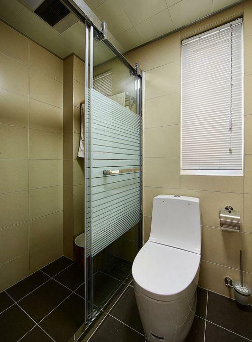 米色现代风格卫生间装饰案例