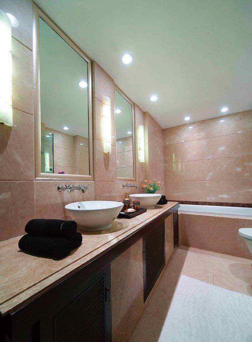 现代简洁卫生间装潢