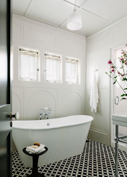 现代风格白色质感卫生间装修效果图