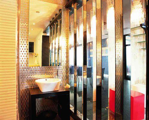 华丽金色时尚欧式风格卫生间装潢