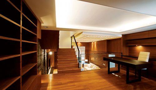 美式风格褐色书房装潢